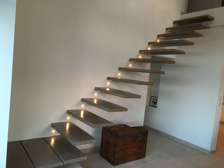 les 25 meilleures id es de la cat gorie escalier flottant sur pinterest escaliers escaliers. Black Bedroom Furniture Sets. Home Design Ideas