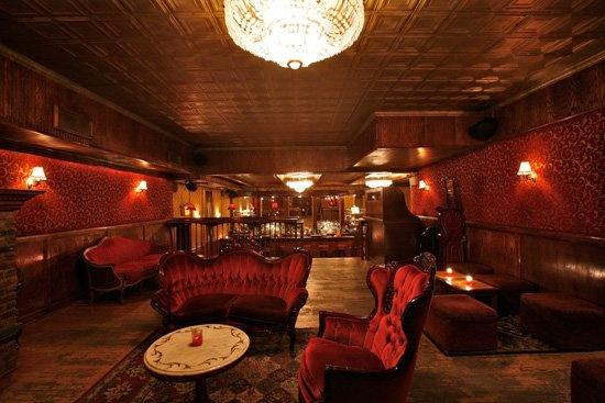 speakeasy game room