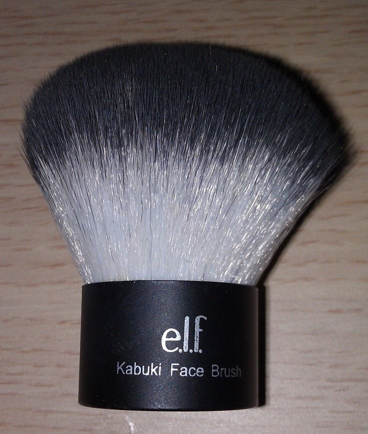 #85011 Kabuki-kwast http://www.eyeslipsface.nl/product-beauty/kabuki-kwasten