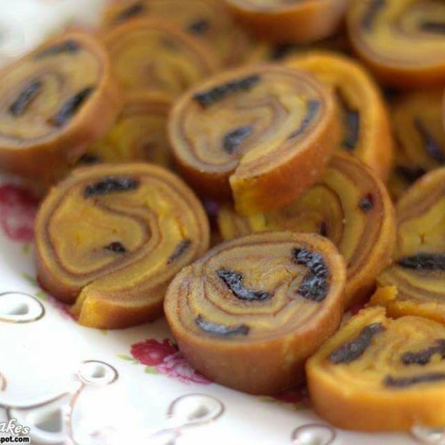 レシピとお料理がひらめくSnapDish - 28件のもぐもぐ - lapis legit prune roll cakes by liana