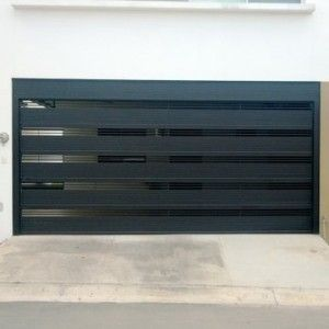 Puerta de garage con rejas horizontales gruesas para mayor - Puertas para garage ...