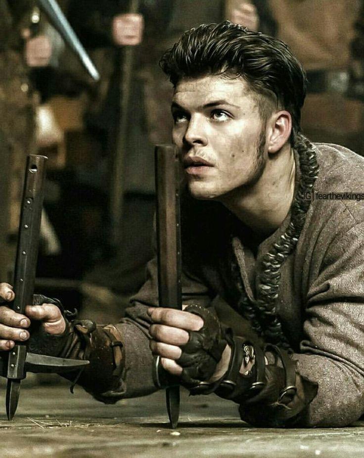 Ivar the boneless.  Great actor ☺