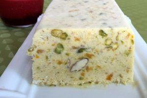 Une recette inratable de Nougat glacé Thermomix sur Yummix • Le blog culinaire dédié au Thermomix !