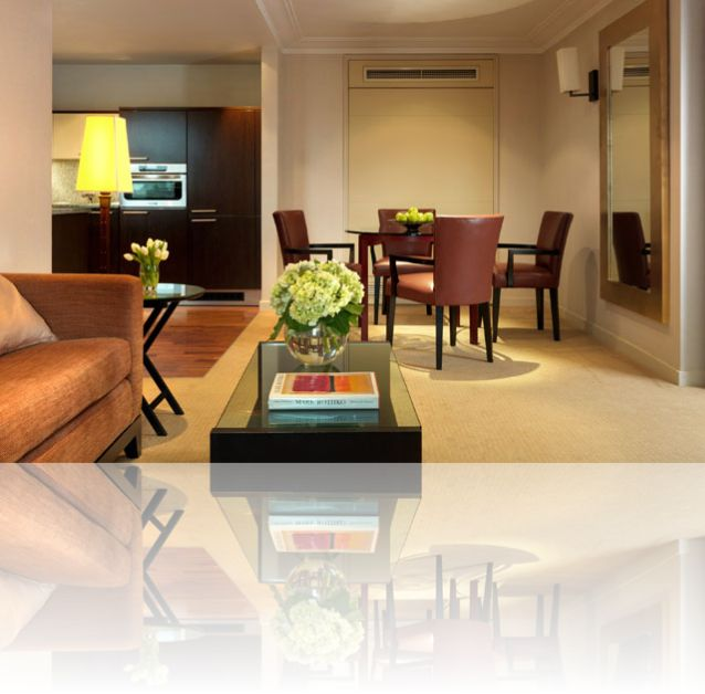 Cheval Phoenix House - Serviced Apartments in London. For more details and to book please visit http://www.jandkapartments.com/property/cheval-phoenix-house