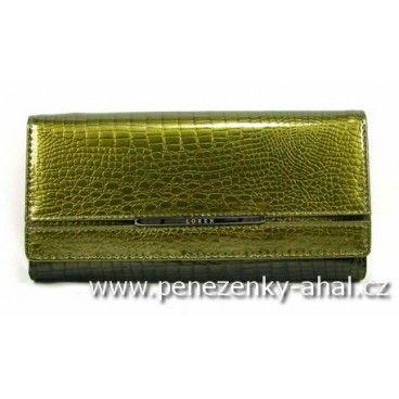 Velká kožená peněženka dámská je vyrobená z kvalitní přírodní kůže.