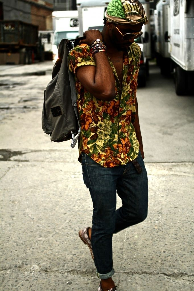 Great Style. Men. Clothing. Street. Shirt. Colorful. Print. Pattern. Flowers. Slim. Blue Jeans. Rolled Up. Backpack. Fashion. African. Orange & Yellow. Details.