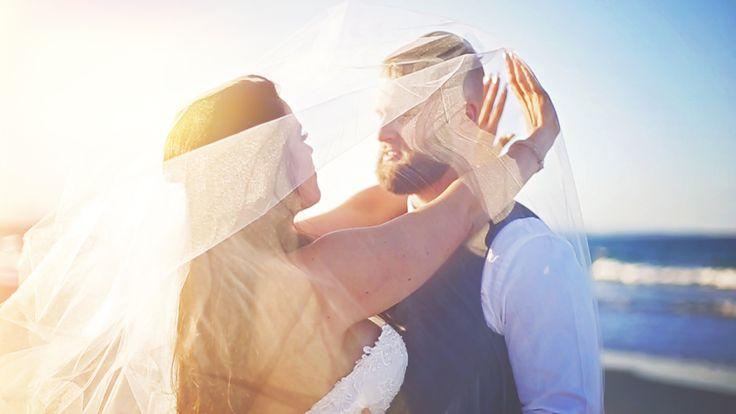 Graeme Passmore Photography | Sunshine Coast Wedding Photographer & Videographer | www.graemepassmore.com | Venue: Byron Bay Surf Club