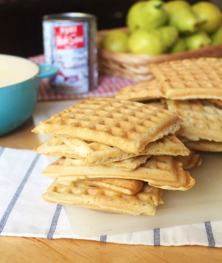 Quick and Fluffy GlutenFree/GrainFree/Paleo Waffles!