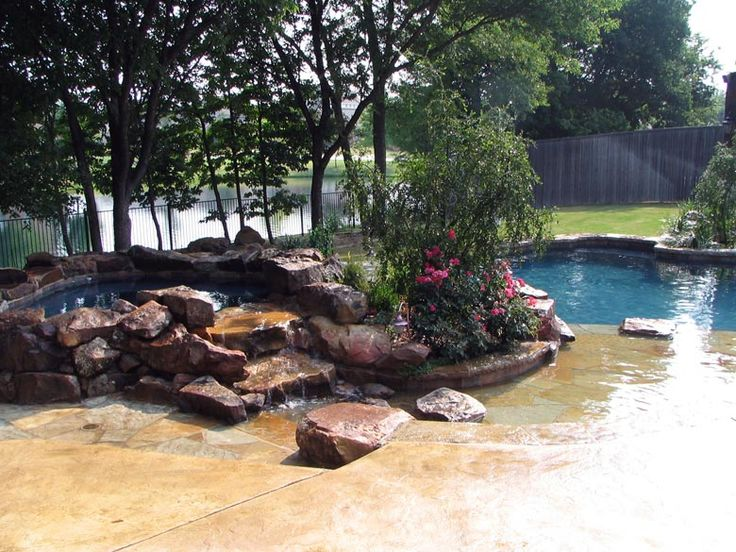 transition from the custom pool deck to the spa is displaying the poured in place coping. beautiful ideas. Home Design Ideas