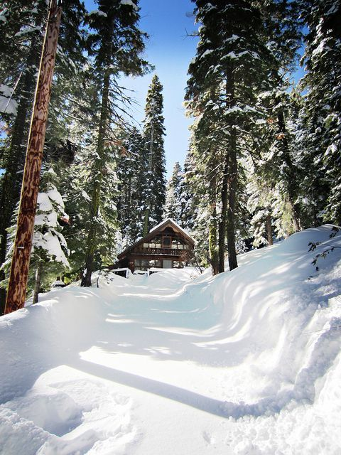 13 best weekend getaways images on pinterest log homes for Lake tahoe winter cabin