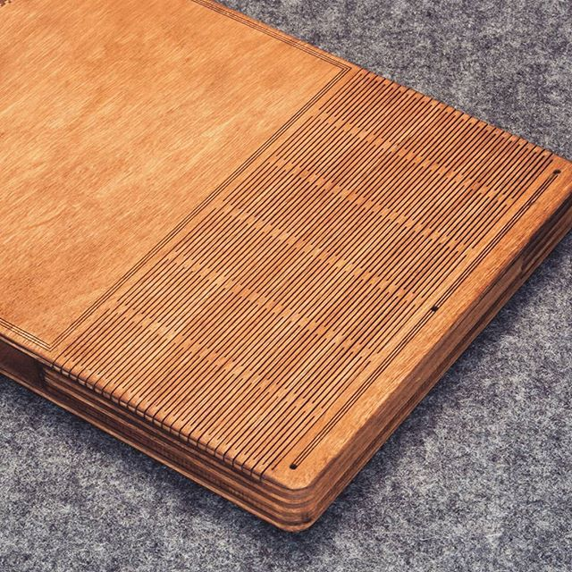 Do not forget about our little brother. Notebook A6. It is worth $ 47. Transportation from Russia worth $ 30. #DRVSKgoods #wood #notebook #notebooks #wooden #sketchbook #sketchbooks#drawing #gift #gifts #giftbox #sketch #sketching #journal