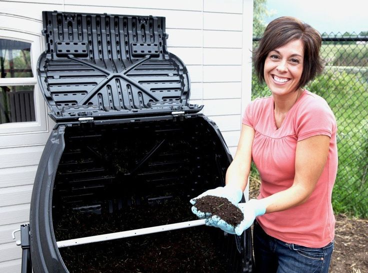 Traditionally, composting can be a very time consuming process. You'd throw a batch of compost you've been saving up into your compost bin. Then every week or so you turn the pile and add extra water if needed. And eventually (typically 1-3 months) you'll have finished compost that's ready to be used throughout your garden.