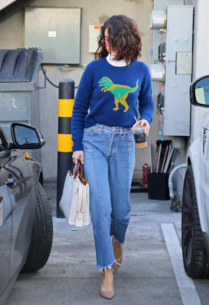 January 19: Selena leaving Nine Zero One Salon in West Hollywood, CA [HQs]