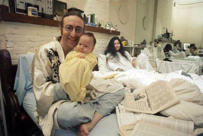 Джон Леннон (John Lennon), Йоко Оно (Yoko Ono) и Шон Леннон (Sean Lennon), 1975 год.