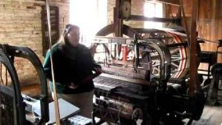 video of how a power loom from the 1900s work - YouTube