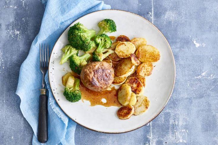 Gehaktballen, broccoli & gebakken aardappelen - Recept - Allerhande