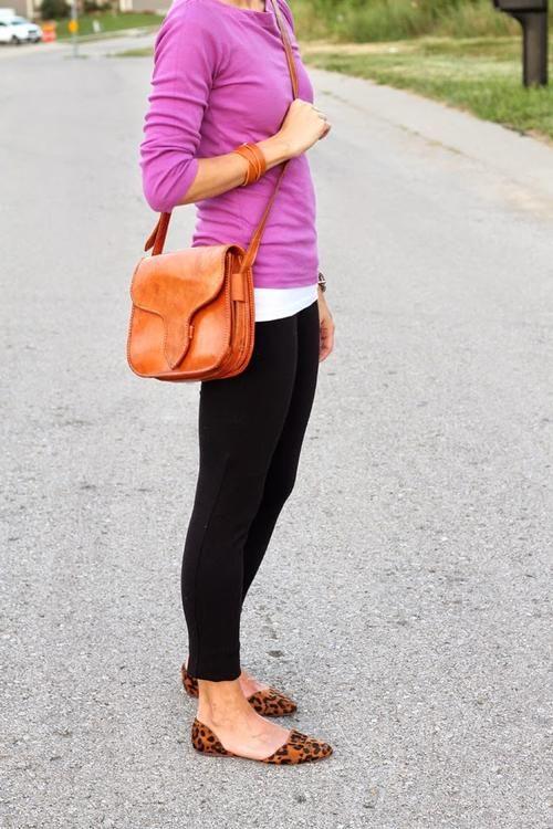 black denim / white T / fuchsia / cognac / leopard flats / outfit