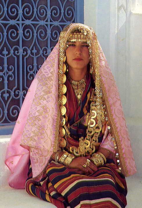 nude tunisian girl images