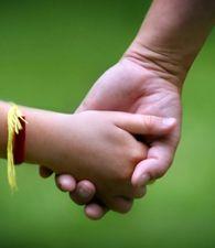 """Adopción: """"La espera depende de las condiciones que ponen los aspirantes"""". """"Desde noviembre de 2012, estamos inscriptos en el Registro Único de Aspirantes a Guarda con fines Adoptivos (Ruaga) (Argentina). Para algunos, podrá parecer poco tiempo, para nosotros es una eternidad"""", planteó en una carta a El Litoral, Héctor Duarte, uno de los 1.200 inscriptos que sueña con adoptar un niño."""