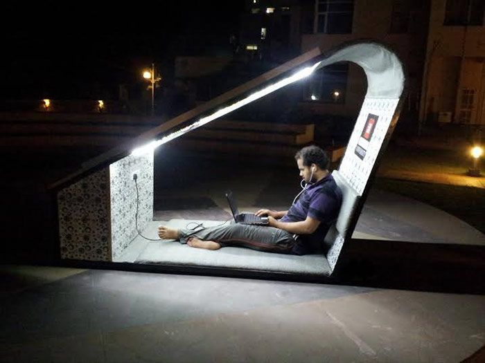 To combine the joys of the outdoors and convenience of staying plugged in, electrical engineering students at the North Indian Chitkara University designed Solar Lounge, a stylish clean energy charging station that doubles as outdoor furniture. Built for comfort, the Solar Lounge is designed like an outdoor room, with a cushioned backrest and seating, outlets, and solar-powered lights at night. Save money instantly on electric, inquire at www.greenerdawn.com #Solar #Solarenergy
