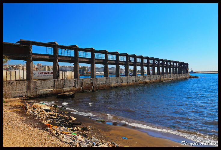 https://flic.kr/p/253WQ26 | Μώλος Κράκαρη, λιμάνι Πειραιά.