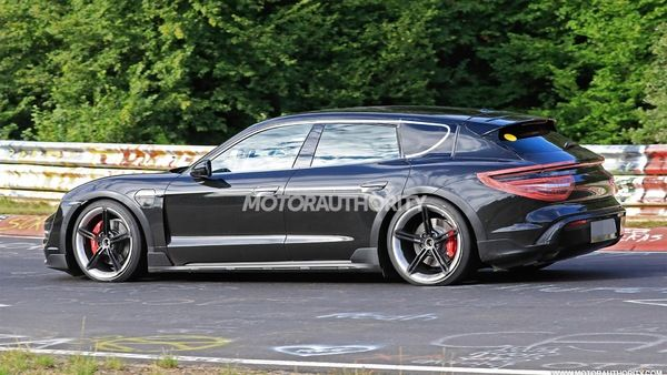 2021 Porsche Taycan Cross Turismo Spy Shots Electric Wagon Coming Up Soon Porsche Taycan Porsche Panamera Sport Turismo