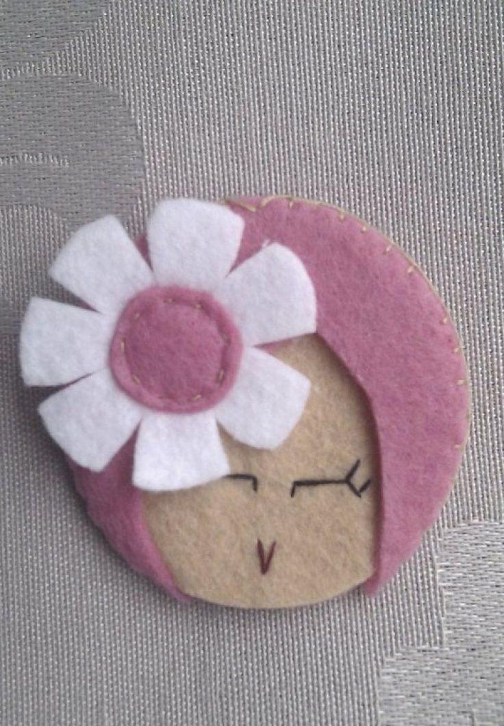 Broches de fieltro en forma de flor diy y manualidades y - Broches para manualidades ...
