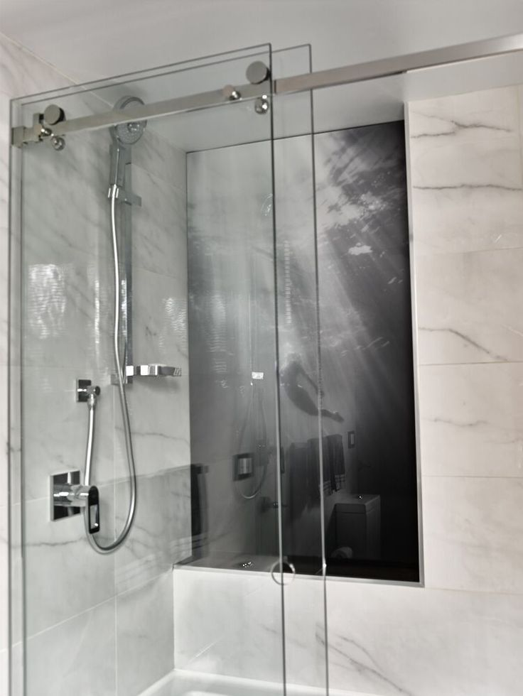 Personalise your bathroom with something unique and stunning? Look no further than our custom-designed and colored glass splashbacks. Visit #PrintsOnGlass for more.