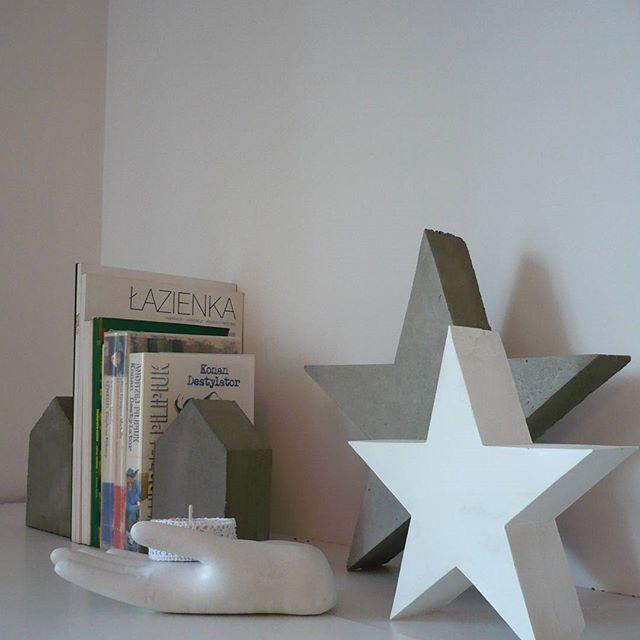 #podpórkidoksiążek #gwiazda #przedmiotyzbetonu #betondekoracyjny #gipsowedekoracje #świecznik #domki