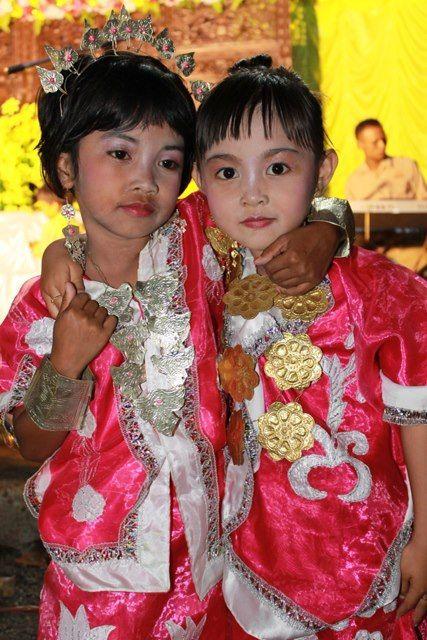 fany with sabila dressing BAJU BODO