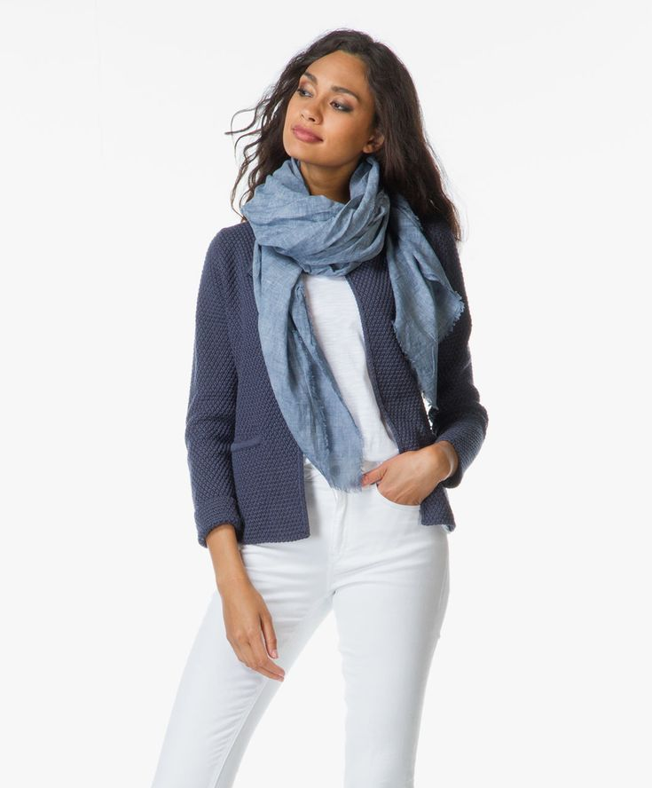 Loke the look,especially the blazer. Just no idea where to get it (shop sells the scarve)
