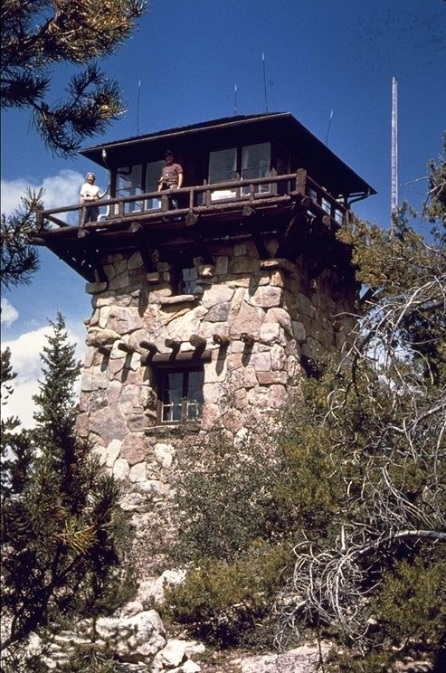 Stone fire tower shadow mountain lo 1631 casa s for Lookout tower house plans