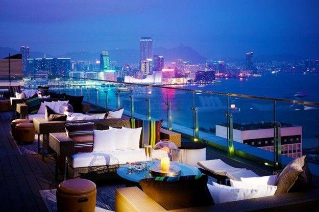 Bar sulla terrazza di Hong Kong