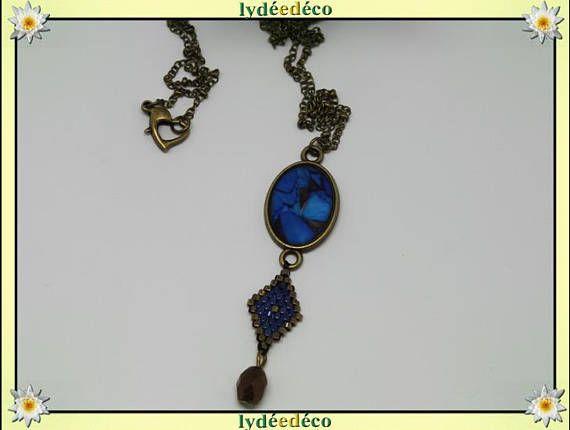 Collier sautoir rétro résine cabochon Papillon 20 x 15mm bleu