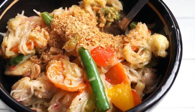 mihoen_kippendijen_conimex_wokpasta_meongrass_kokos_hollandse_groentes
