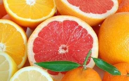 I 10 migliori alimenti detox - Fra i 10 migliori alimenti detox, per la purificazione del fegato e del nostro organismo, possiamo ricordare il tè verde, i carciofi, il pompelmo e l'avocado.