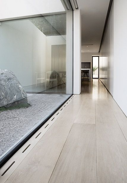 John Pawson House London - I would like some plant life in with the zen garden but the light well effect is excellent