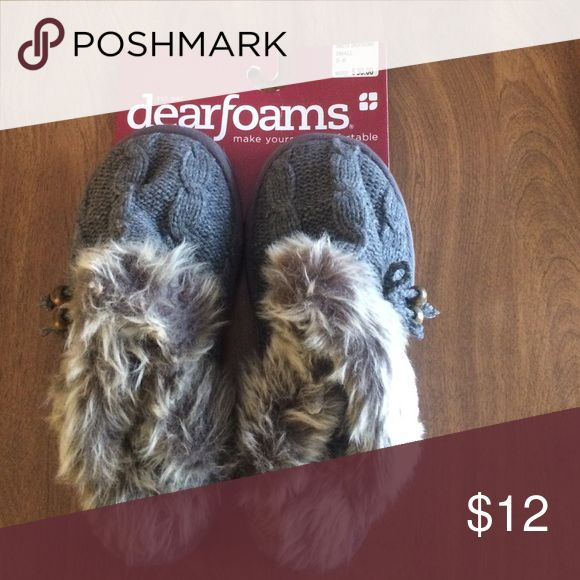 New Grey Dearfoam Slippers Small New with tags, Dearfoam Slippers. Grey Knit with faux fur lining and trim. Slip on style Size small 5/6. Retail is $30 Dearfoams Shoes Slippers