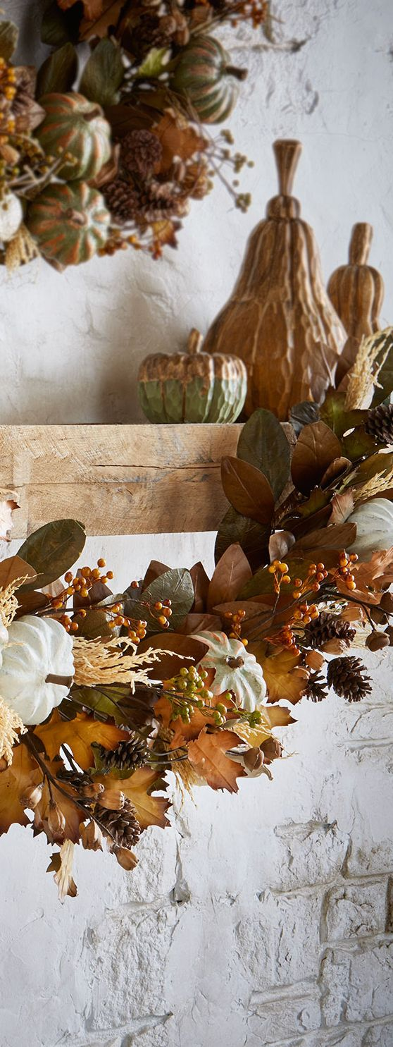 26 beautiful burgundy accents for fall home d 233 cor digsdigs - Autumn Harvest Garland