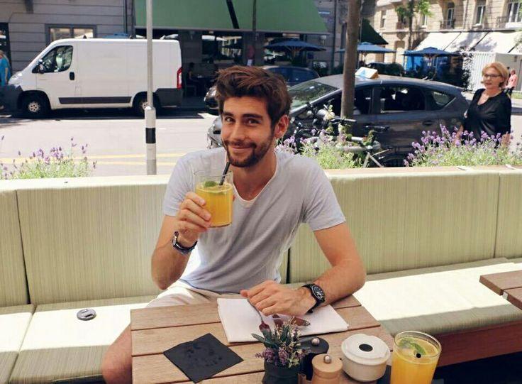 Que sonrisa tan linda! Alvaro soler ♥