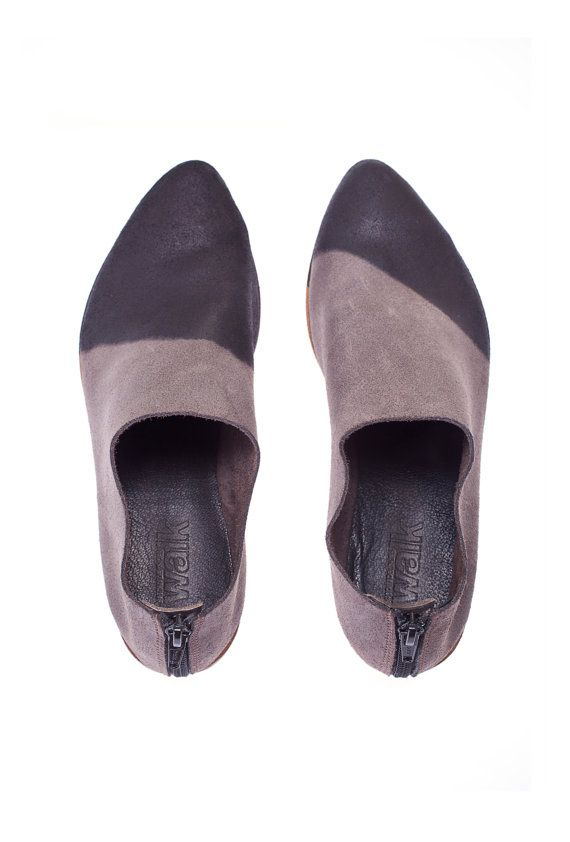 WINTER SALE 30 OFF Two tone shoesGrey flat door WalkByAnatDahari