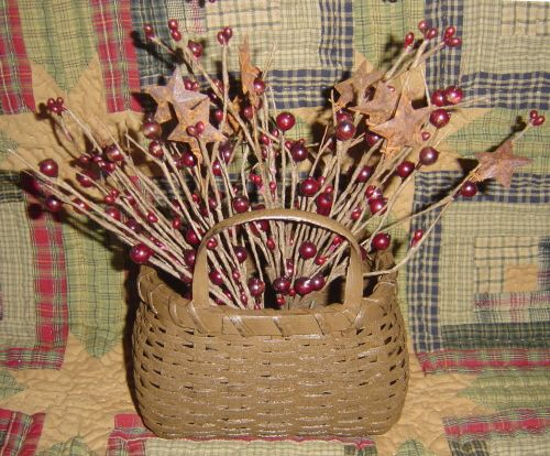 Primitive Brown Basket with Prim Berry/Star Stem