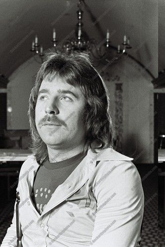 Lee Kerslake (April 16, 1947) British drummer and songwriter, o.a. known from the band Uriah Heep.