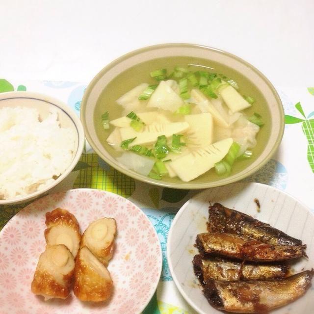 急いで、夕食。 遅く帰ったので、昼間に買っておいた鰯の煮付けと、サッとできるワンタンスープと竹輪。 はい、ご馳走さま〜〜。早い。 - 151件のもぐもぐ - ワンタンスープ・鰯の煮付け・竹輪煮物 by madammay