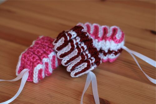 crochet ribbon candy, I think these would be cute in red and green