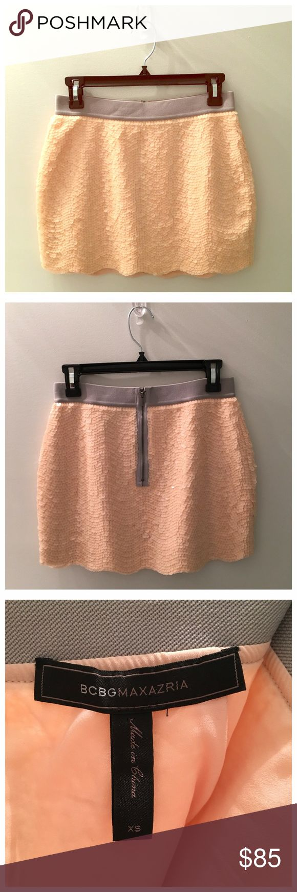BCBGMaxAzria Peach Sequin Mini Skirt, Sz XS BCBGMaxAzria Peach Sequin Mini Skirt, Size XS. Gray waistband, back zipper, fully lined. Only worn once for a bachelorette party and then dry cleaned - excellent condition. BCBGMaxAzria Skirts Mini