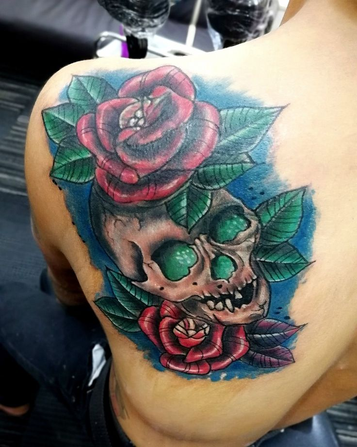 rose skulls color