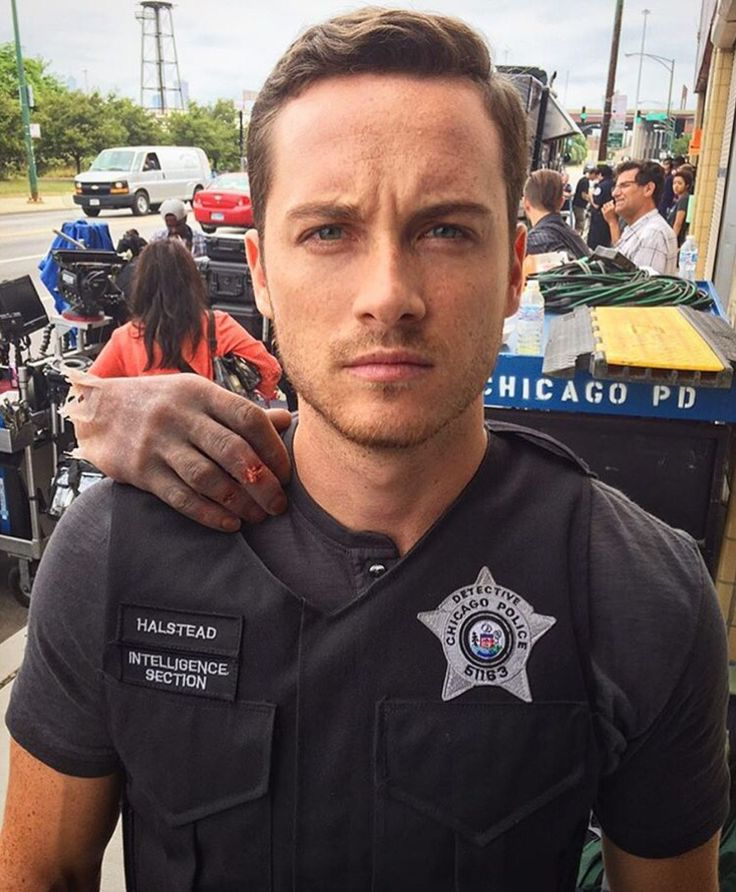 17 best images about jesse lee soffer on pinterest posts police departments and patrick o 39 brian. Black Bedroom Furniture Sets. Home Design Ideas