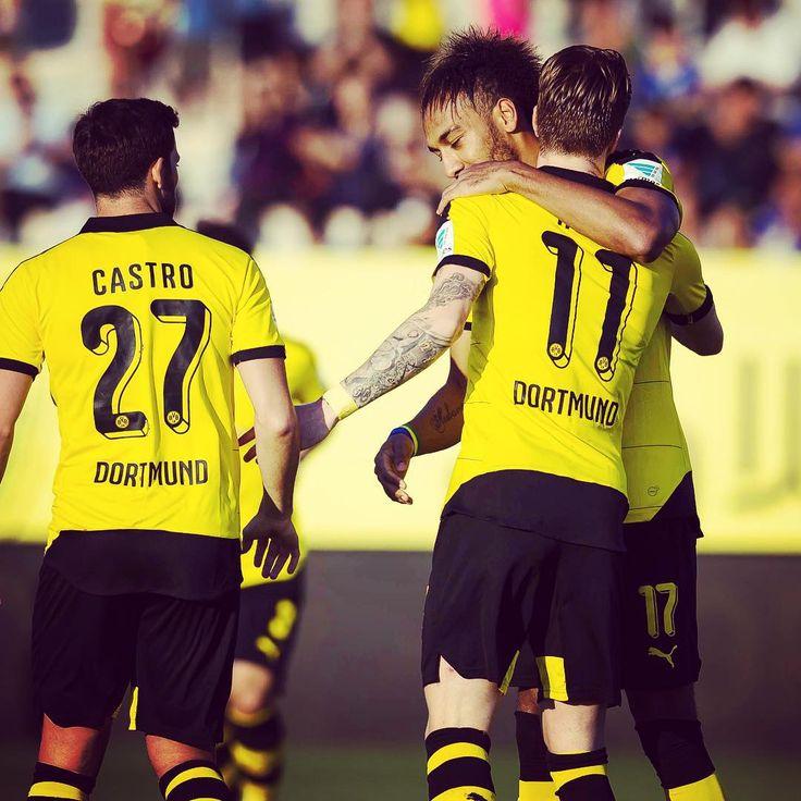"""""""@marcinho11 trifft zum 1:0! // Reus scores! #bvbjhm #bvb #dortmund #borussiadortmund #jeonbuk #igersreus"""""""