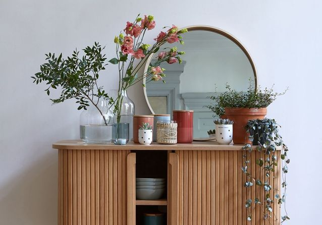 Black Friday Deco Tous Les Bons Plans Pour Faire De Bonnes Affaires Elle Decoration Salon Colore Miroir Deco Decoration Salon